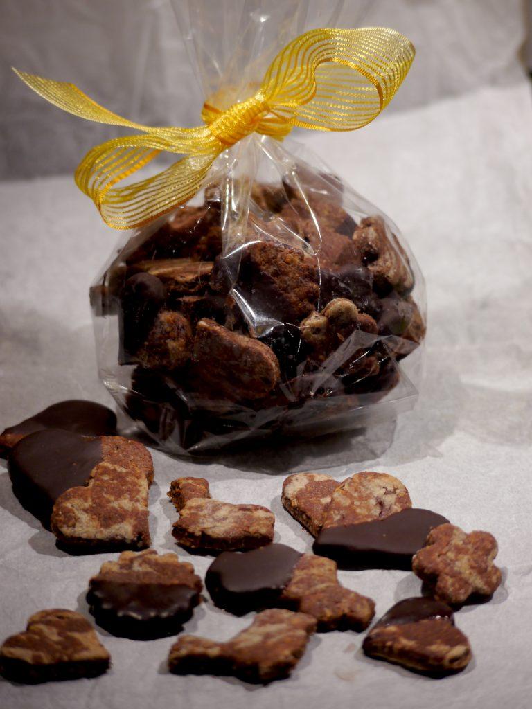 Rezept für vegane marmorierte Schokokekse, zuckerfrei und mit selbstgemachter Schokoladenglasur