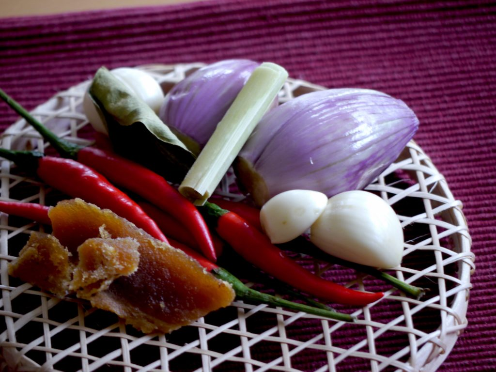 vegane-indonesische-sambal-rezept-paradiesfutter-zutaten